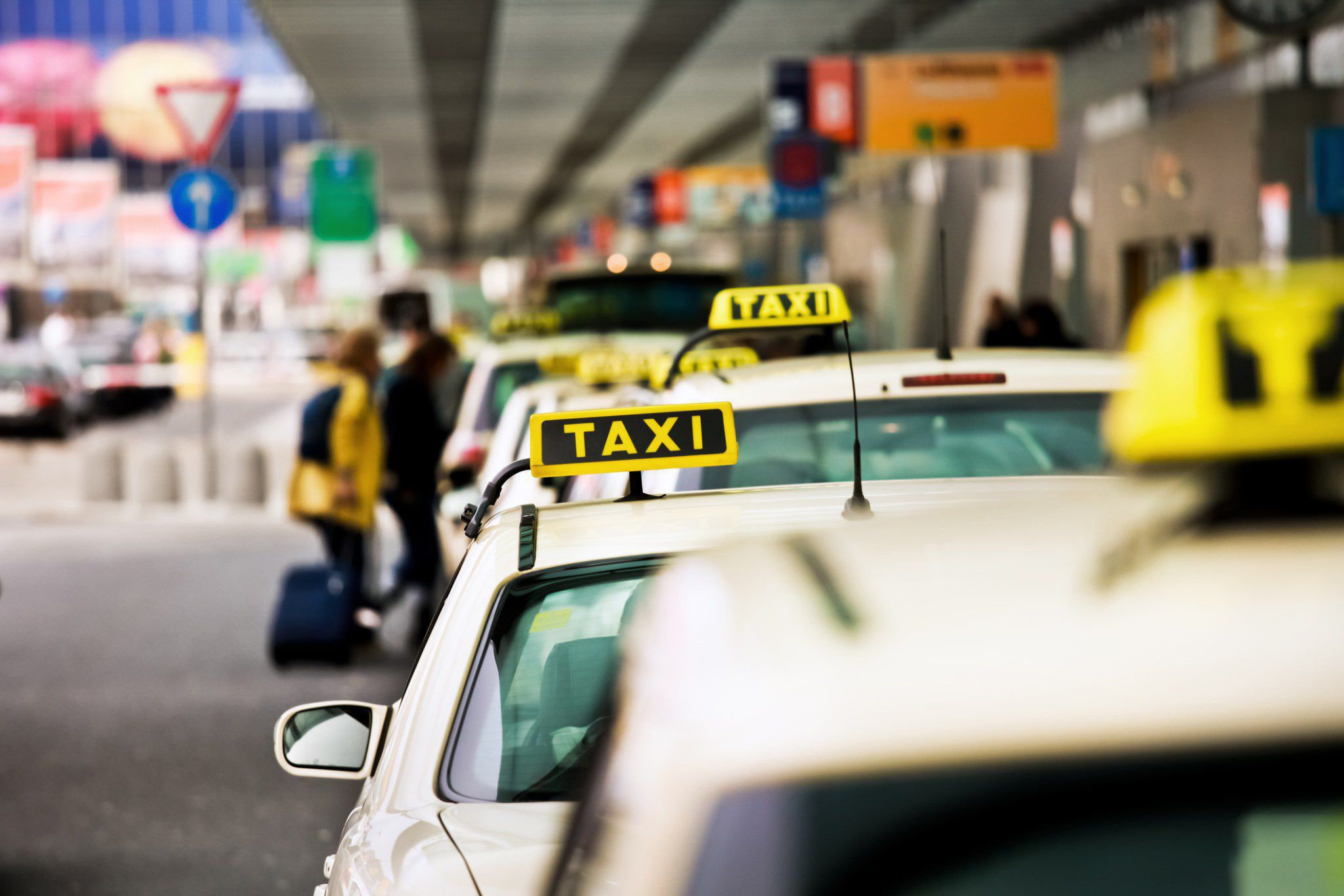 Airport-Taxi-Services-Beautiful